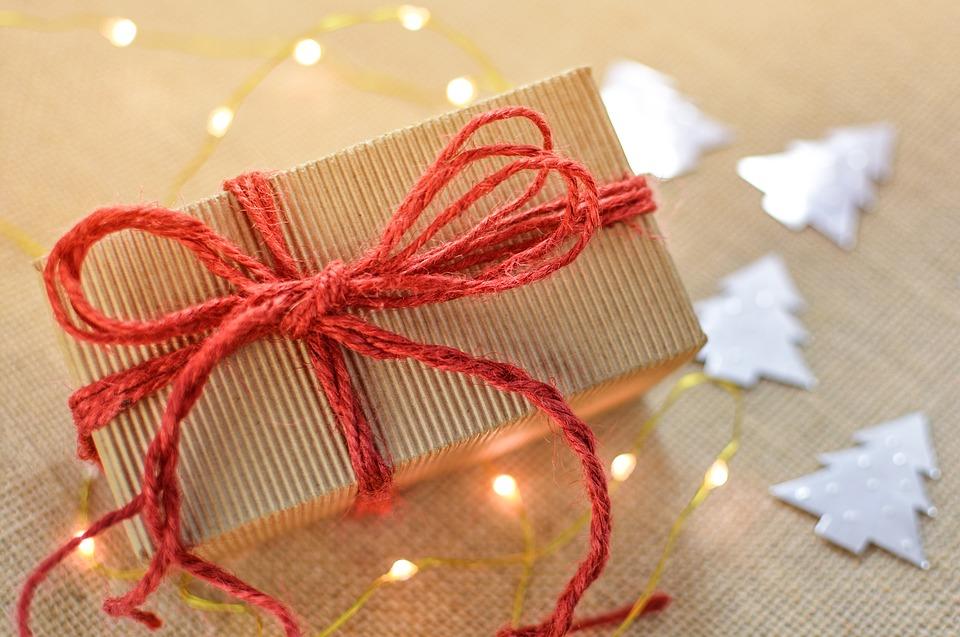 gift-2934858_960_720.jpg